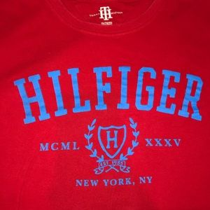 Tommy Hilfiger sweet T-shirt! Great condition!